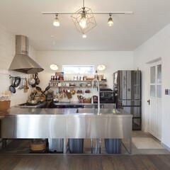 自然素材/無垢材/無垢杉の床/漆喰の壁/白い壁/W断熱の家/... . ~料理研究家がカスタマイズ!  こだ…