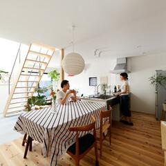 自然素材/無垢材/無垢杉の床/漆喰の壁/白い壁/W断熱の家/... . ~LDKをL型に計画した  暮らしを…