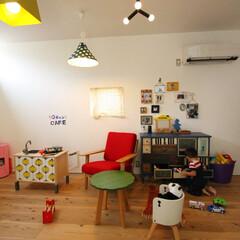 自然素材/無垢材/無垢杉の床/土間のある家/漆喰の壁/白い壁/... . ~2階のフリースペースは  子供と一…