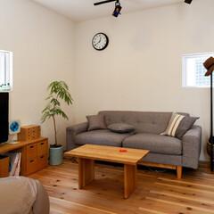 自然素材/無垢材/無垢杉の床/漆喰の壁/白い壁/W断熱の家/... . ~2階フリースペースを  ナチュラル…