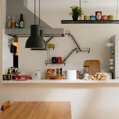 自然素材/無垢材/無垢杉の床/漆喰の壁/白い壁/外断熱/... . ~まるで「おもちゃ箱」のような  ワ…