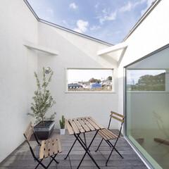 自然素材/無垢材/無垢杉の床/漆喰の壁/白い壁/W断熱の家/... . ~周りを気にすることなく  おうち時…
