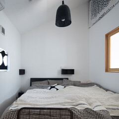 ds/D´S STYLE/寝室/四角の家/自然素材/無垢/... 家をおしゃれに住みこなそう。 そう、着こ…