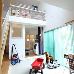 自然素材/無垢材/無垢杉の床/漆喰の壁/白い壁/W断熱の家/... . ~広くて明るい土間スペースは  子供…