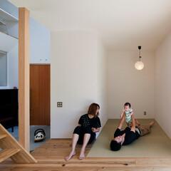 自然素材/無垢材/無垢杉の床/漆喰の壁/白い壁/W断熱の家/... . ~無垢杉の床と畳のコラボで  裸足で…