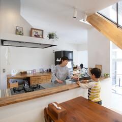 自然素材/無垢材/無垢杉の床/漆喰の壁/白い壁/W断熱の家/... . ~たくさんの光が射し込み  親子の会…