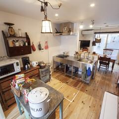 自然素材/無垢材/無垢杉の床/漆喰の壁/白い壁/W断熱の家/... . ~家族で一緒に料理を楽しむ  広さを…