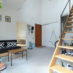 土間/玄関/自転車/階段/スニーカー/和室/... . ~離れの和室に繋がる土間スペースも …