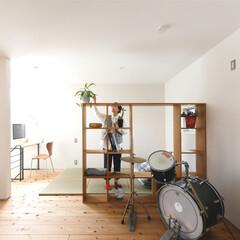 自然素材/無垢材/無垢杉の床/漆喰の壁/白い壁/W断熱の家/... . ~自由自在に使えるフリースペースは …
