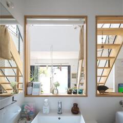 自然素材/無垢材/無垢杉の床/漆喰の壁/白い壁/外断熱/... . ~キッチンの後ろの洗面室も  たくさ…