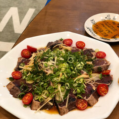 お料理 高知のお土産の鰹タタキ 大好きな 大葉、…(1枚目)