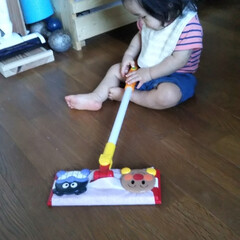 掃除当番/おもちゃ/フロアモップ/アンパンマン 今のおもちゃはいろいろで楽しい🎵 掃除嫌…(1枚目)