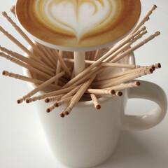 naissant おもしろ カフェラテ カップ デザイン ようじ入れ 爪楊枝入れ ワンプッシュ おしゃれ 喫茶店 レストラン カフェ などにも(その他キッチン、日用品、文具)を使ったクチコミ「ティータイム☕️   なんて! 騙しの爪…」(2枚目)