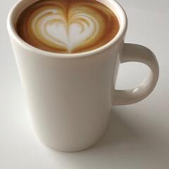 naissant おもしろ カフェラテ カップ デザイン ようじ入れ 爪楊枝入れ ワンプッシュ おしゃれ 喫茶店 レストラン カフェ などにも(その他キッチン、日用品、文具)を使ったクチコミ「ティータイム☕️   なんて! 騙しの爪…」