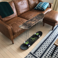 サイドテーブル/スケボー/インテリア/DIY/ハンドメイド 車高短スケボーでサイドテーブル