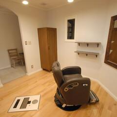 Hair Room ami e/アミエ/半個室/フルフラット/可動式シャンプー台/バーンウッド/... 半個室のゆったりとした空間。フルフラット…