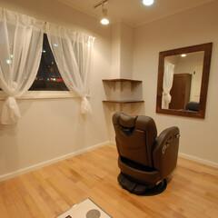 Hair Room ami e/アミエ/半個室/フルフラット/可動式シャンプー台/バーンウッド/... こちらのディスプレイ棚にはダグラスファー…