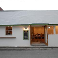 BISTROT aラシド/アラシド/古民家/店舗改装/入口/親子扉/... 築80年元うなぎ屋さんの店舗を改装。
