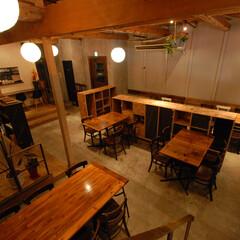 旨み酒場 CHILL/厚木/居酒屋/インテリア/グリーン/植物/... ロフトからの風景。もともとの天井を壊し、…