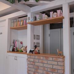 Hair Labo nico/美容室/橋本/カウンター/レンガ/差し色 カウンターにレンガを使い、白を基調とした…
