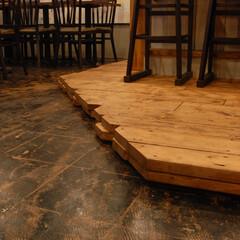 呑々食堂rico!/リコ/川崎/居酒屋/土間/フロアタイル跡/... 床は土間仕上げ。もともと張ってあったフロ…