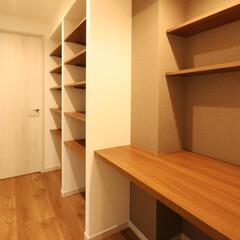棚/書斎 書斎には壁の凸凹を利用して沢山の棚を設け…