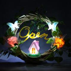 生活雑貨/インテリア雑貨/手作り雑貨/アイデア雑貨/リース/照明 造花を使用して作ったOPENサインのリー…