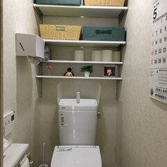 おトイレに白の棚/おトイレ 主人におトイレに棚作ってもらいました。