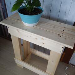 2×4/1×4/DIY/家具/住まい ベンチのあまり木でちょっとした台を作りま…