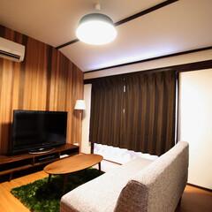 arenot/noce/無印良品/壁面レッドシダー貼り/珪藻土/sunburst clock 2階プライベート空間リビング
