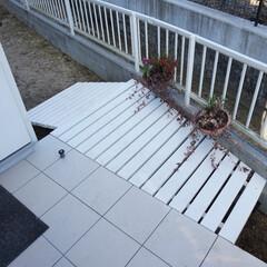 ウッドデッキ/スロープ 玄関横のスペースにスロープ付きウッドデッ…