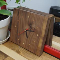 ウォールナット/端材/時計/100円ショップ/シンプル ウォールナットの端材で時計を作りました。…
