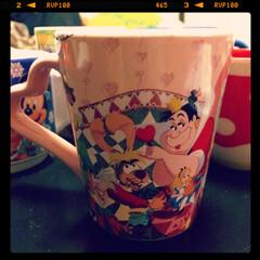 ピンク/カップ/ディズニー 大好きなアリスのスーベニアカップをお土産…