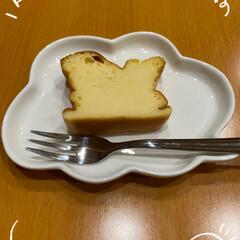なかなか美味しく出来た/しっとりもちっと/久しぶりにスイーツ焼いてみた/ヨーグルトパウンドケーキ/パウンドケーキ型使用/LIMIAのレシピ/... チーズケーキ?☆  LIMIAのレシピで…