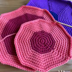 手作り/編み直して編みあみ/鍋敷き3枚目/編んでます/今日/おうちですごそう 今日も編んでます☆  鍋敷き3枚目編みあ…