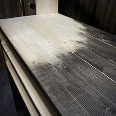 ビンテージワックス エボニーブラック [160g] ヴィンテージワックス vintagewax 蜜蝋 着色 えごま 木製品 ブライワックス | ニッペホームオンライン(ペンキ、塗料)を使ったクチコミ「ニッペ VINTAGE WAX エボニー…」