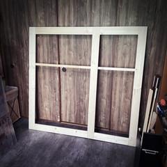 作成中/窓枠/ワンバイフォー材/窓枠DIY/DIY 外枠を作成中💁♂️ 1×4を使ってます…