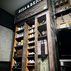 オールドウッドワックス/カフェ風/ボード/収納棚/収納ラック/男前風/... 本棚の上に収納を作ったら 本棚と色のトー…