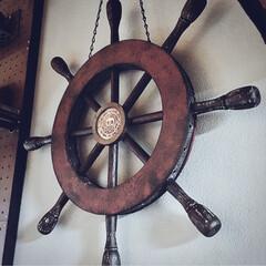 100均で作る/男前/男前インテリア/100均/100均アイテム/100均DIY/... 100均商品で作る船の舵。  円形はカラ…