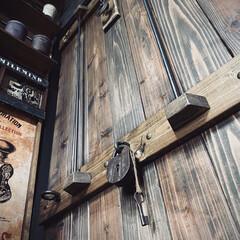 パイレーツオブカリビアン風/男前/引き戸DIY/引き戸/アンティークグレー/ジャコビーン/... 記録用  襖を撤去して 板材で引き戸作成。