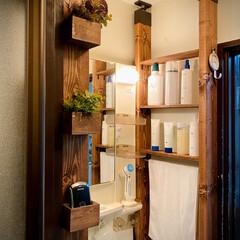 ウォールナット/便利/塗装/ビンテージワックス/洗面用具/整理整頓/... 洗面所の右側にもラブリコ🙌 左側のフェイ…