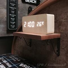 目覚まし時計/音に反応/smilemind/SPR/インテリア時計/木目調デジタル時計/... 音に反応 センサー LED搭載時計をベッ…