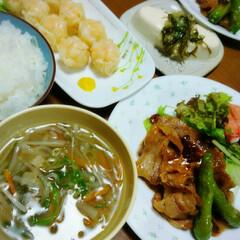 おうちごはん/シューマイ 豚肉の生姜焼き・生野菜  エビシュウマイ…