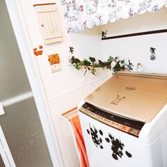 ナチュラル可愛い/ナチュラルが好き/Cafe風/カフェ風インテリア/洗面所/洗濯機/... 洗濯機のコードがずっと気になっていたので…