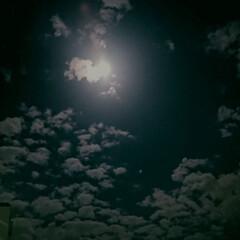 おやすみなさい/満月/月明かり 満月のお月様🌕 オヤスミナサイ(๑•́ω…