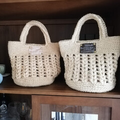 手編み/編み物/ハンドメイド/手作り/ハンドメイド雑貨/ハンドメイド作品/... 去年の夏に麻ひもで編んだバック達です。 …(1枚目)