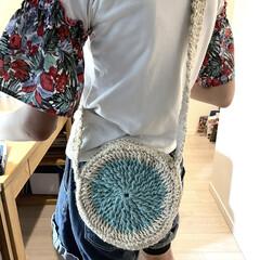 ポシェット/編み物/手作りバッグ/ハンドメイド/手作り/ハンドメイド作品/... ハンドメイド作品です。 右は私のサークル…(2枚目)
