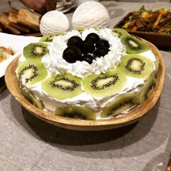 手作り/ケーキ/ありがとう平成/GW/至福のひととき/おやつタイム/... 炊飯器で焼いたチーズケーキに娘と二人で飾…(1枚目)