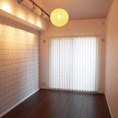 間接照明/ペンダントライト 穏やかな間接照明のある寝室