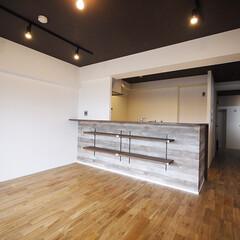 バーカウンター/キッチン/ダイニング/アーバン/オシャレ/ヴィンテージ バーカウンターのようなキッチンがあるダイ…